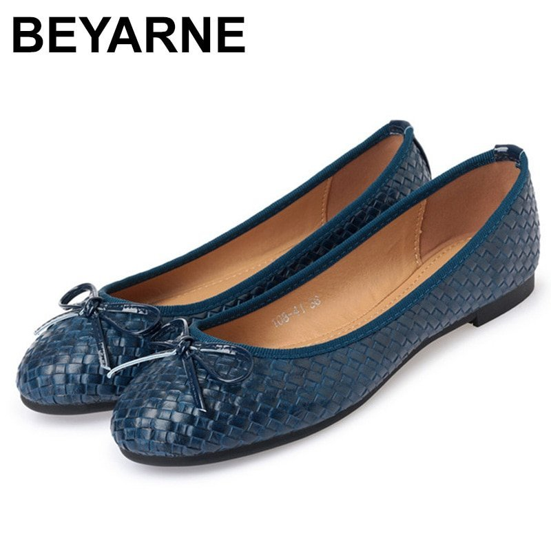Pu Leather Round Toe Shape & Slip-on Flat Shoes with Butterfly-knot