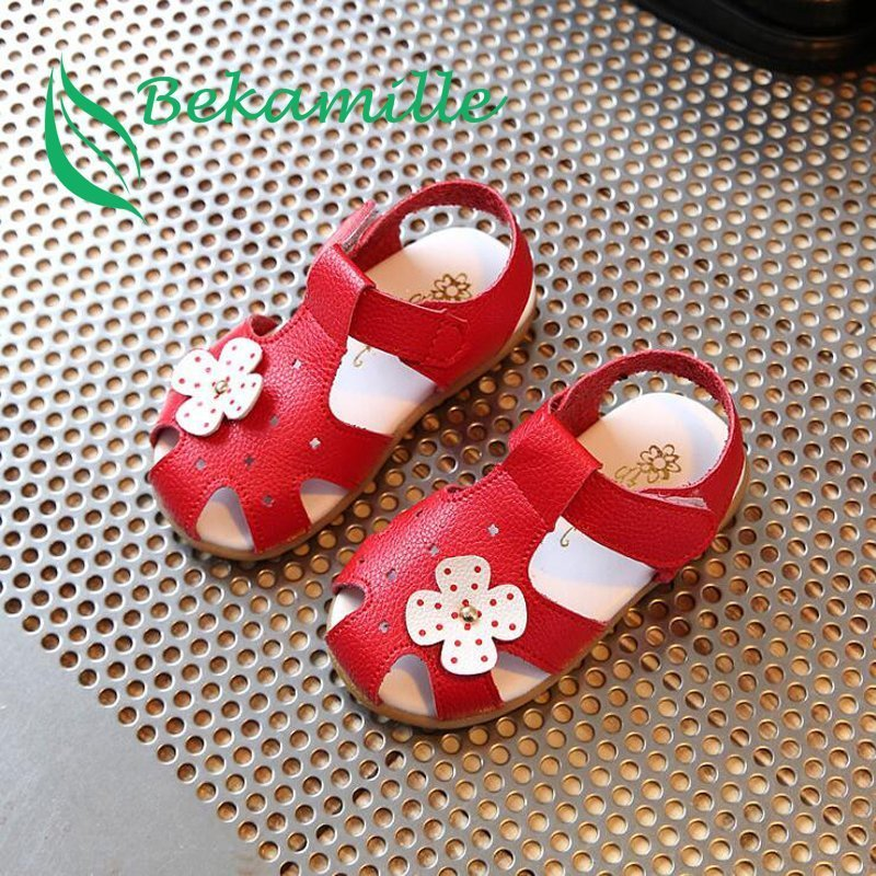Hollow Out Soft Leather Flat Heel & Solid Color Sandals with Floral decor